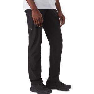 NWT Arc'teryx Men's Lefroy Hiking Nylon Solid Black Straight Leg Activewear Pant
